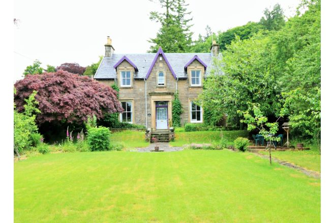 4 bedroom detached house for sale in leny feus callander fk17 8as