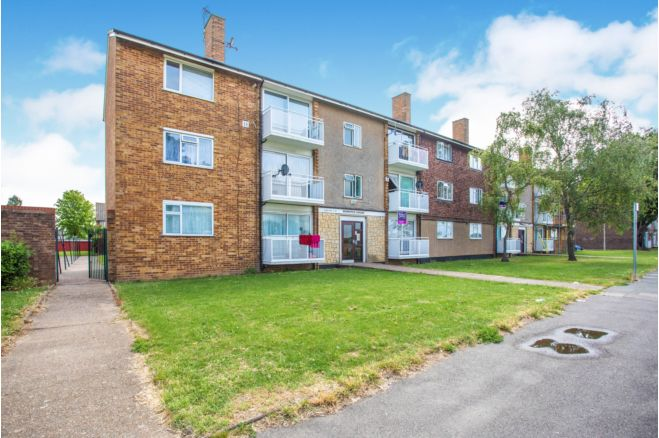 2 Bedroom Flat For Sale In Greenway Hayes Ub4 9hl