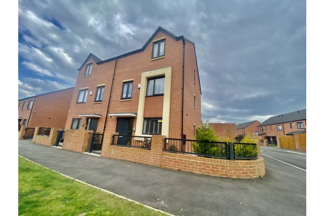 4 Bedroom Semi Detached House To Rent In Mossfield Street Manchester M11 1pn