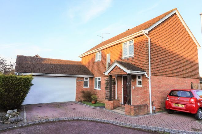 4 Bedroom Detached House For Sale In Kitwood Drive Lower Earley Reading Rg6 3ta