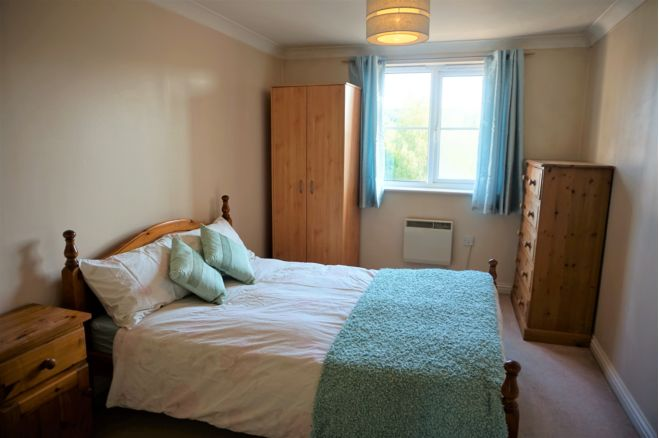 1 Bedroom Apartment To Rent In Peatey Court High Wycombe Hp13 7az