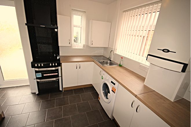 3 Bedroom Semi Detached House To Rent In Lynn Road North Shields